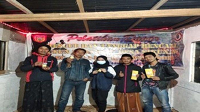 Mahasiswa KKN Undip ManfaatkanDaun Carica sebagai Nutrisi Pakan Ternak