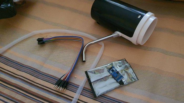 Alat Hand Sanitizer Otomatis Berbasis Sensor Hanya dengan 5 Komponen ala Mahasiswa Undip