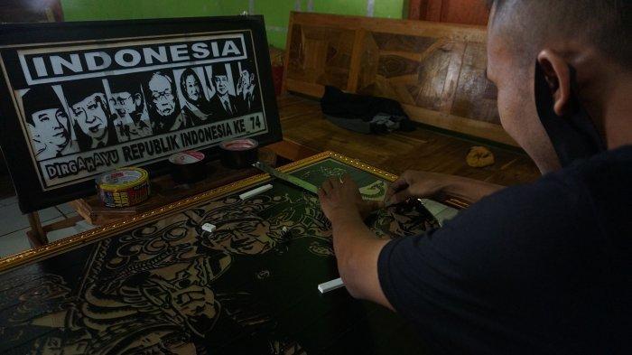 Inilah Sosok Maliki Seniman Galak Batang Lukisan dari Lakban Hitam