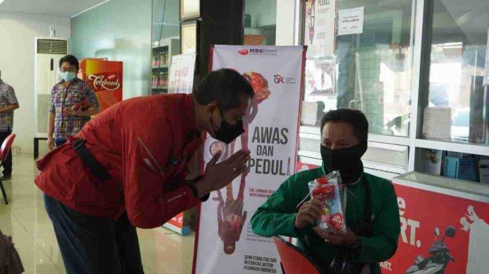 Management Astra Motor Jateng juga turut serta langsung berkeliling kota Semarang kemarin (1 September 2021) untuk membagikan sembako