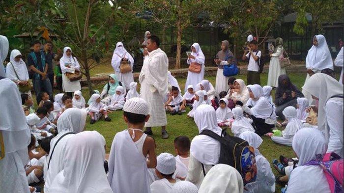 PAUD Attaqiya Ikuti Peragaan Manasik Haji