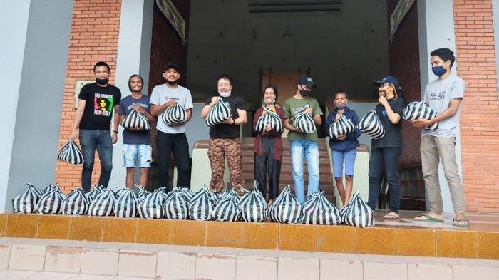 Mantan Aktivis Mahasiswa Kristen Salatiga Berikan Bantuan Sembako Wabah Corona