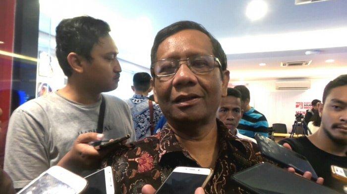 Ditanya Netizen Soal Hukum Minum Air Kencing Unta, Ini Jawaban Menohok Mahfud MD