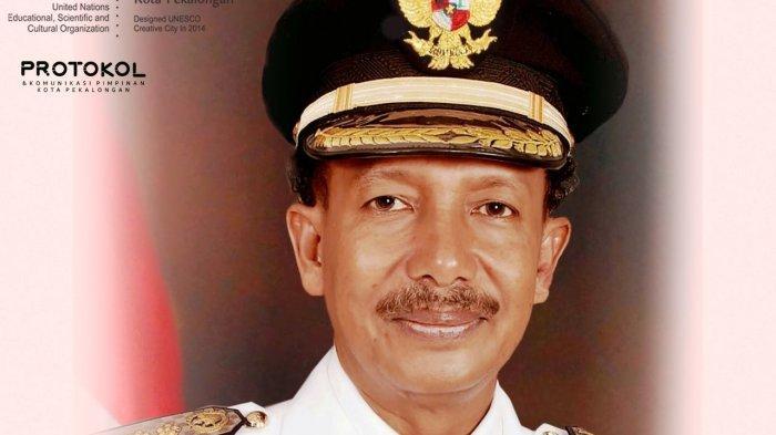 Mantan Wali Kota Pekalongan periode 2005-2010 dan 2010-2015 dr Basyir Ahmad Syawie