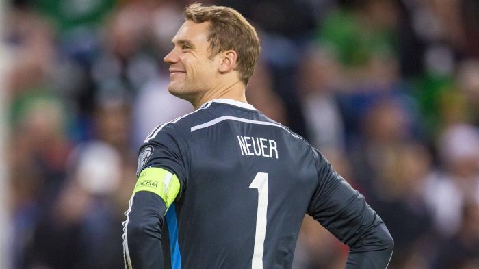 Aksi Sombong Pelle Saat Penalti Tak Mampu Kecoh Manuel Neuer