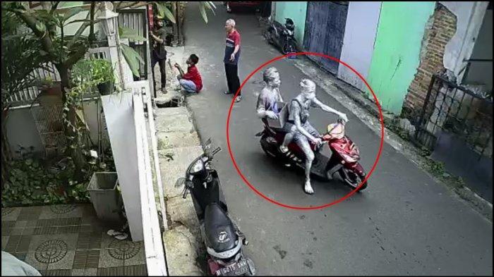 Manusia Silver Maling Motor Warga Cipulir Viral di Medsos