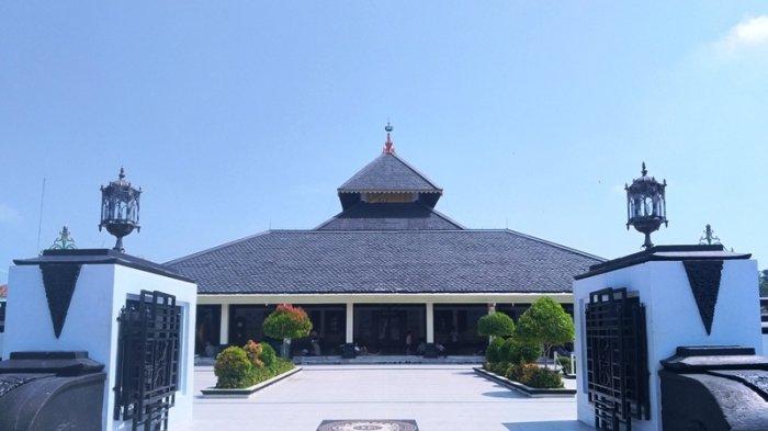 Demak Nagari Para Wali, Kerajaan Islam Pertama di Jawa & Sunan Kalijaga yang Toleran