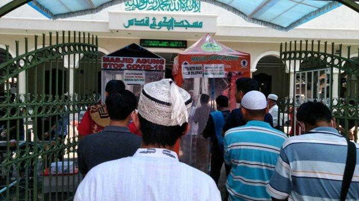 Muslim Laki-laki Hari Jumat Bergegaslah ke Masjid, Datang Pertama Seperti Telah Berkurban Unta