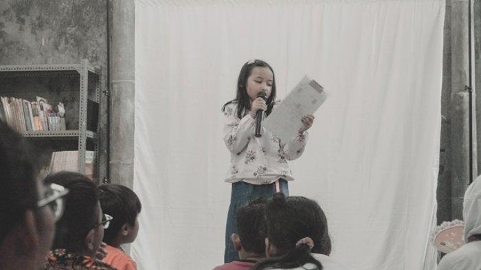 Melalui Workshop Mendongeng, Tries Berharap Anak Punya Keberanian Tampil di Hadapan Publik