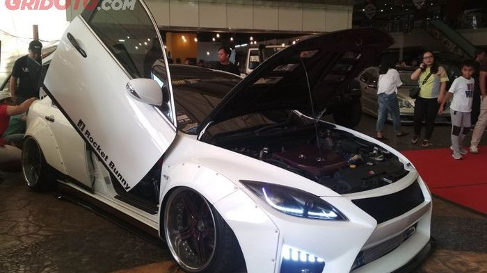 Modifikasi Mobil Keren Anak Medan - Mazda6 Berwajah Lexus Gaya Rocket Bunny