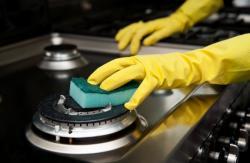 Rutin Bersihkan Peralatan Masak dan Kompor, Jangan Tunggu Noda Mengering