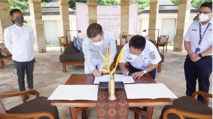 Kereta Api Pariwisata bekerja sama dengan PT Jawa Express Amanda Indah (Amanjiwo)dan menandatangani nota kesepahaman di Amanjiwo Magelang, Kamis (4/2/2021). (Istimewa) Suasana di dalam kereta wisata dengan nuansa tematik khas Amanjiwo.