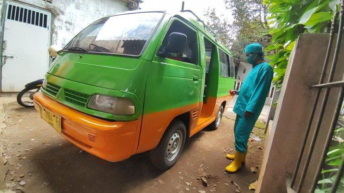 Tarko Warga Banyumas Ini Ubah Angkot Jadi Ambulans Desa, Bantu Antarkan Warga Vaksin & Tes Swab