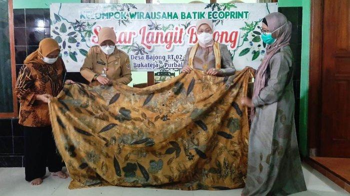 Berkunjung ke Purbalingga, Menaker Yakin Batik Ecoprint Semakin Berkembang dan Naik Kelas