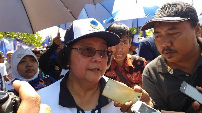 Siti Nurbaya Tantang PNS Pungut Sampah, Dapat Respon Begini