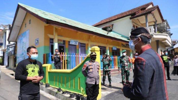 Gubernur Jateng Ganjar Pranowo Sambangi Desa di Wonosobo yang Puluhan Warganya Isolasi Mandiri