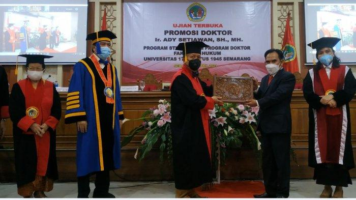 Teliti Pelayanan Air Minum, Mantan Direktur PDAM Grobogan Raih Gelar Doktor di Untag Semarang
