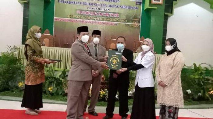 21 Dokter Baru FK Unissula Semarang Diambil Sumpah dan Siap Terjun ke Masyarakat