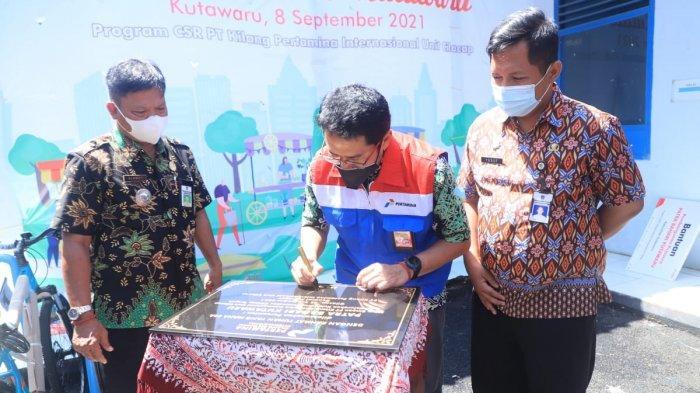 General Manager PT Kilang Pertamina Internasional (KPI) Unit Cilacap, Eko Sunarno hadir secara langsung meresmikan penggunaan Patra Bahari Food Center dan Kampoeng Kepiting, Rabu (8/9/2021).