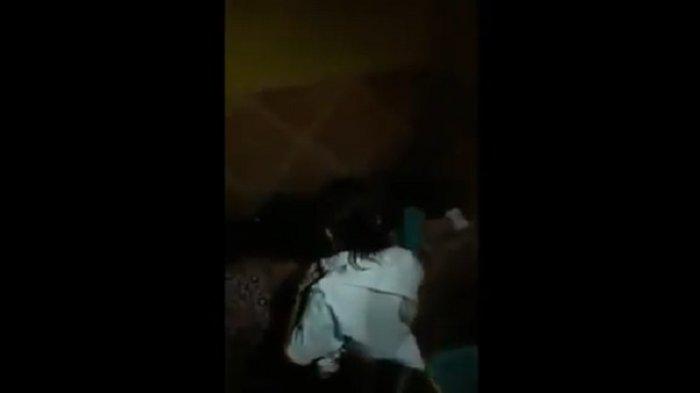 Janda Cantik PNS Kepergok Warga Mesum di Kamar Bersama Mantan Suami Sudah Beristri