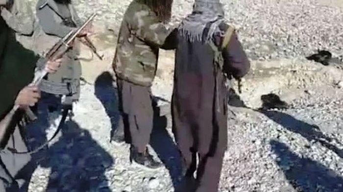 Taliban Eksekusi Mati Tentara Afghanistan Kemudian Diarak, Videonya Dishare Ke Medsos