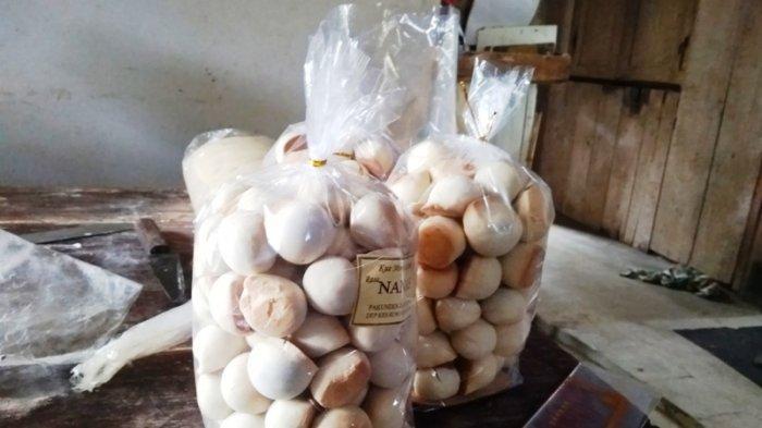 Mino yang sudah dikemas di jual Rp 15 ribu perkilo.
