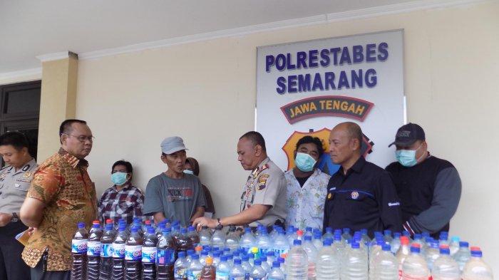 Polisi Gerebek Warung Nasi di Kota Semarang yang Ternyata Berjualan Ciu Bekonang