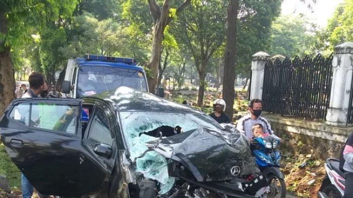 Detik-detik Kecelakaan Kereta KRL Vs Ayla di Jakarta, Begini Nasib 4 Penumpang Mobil