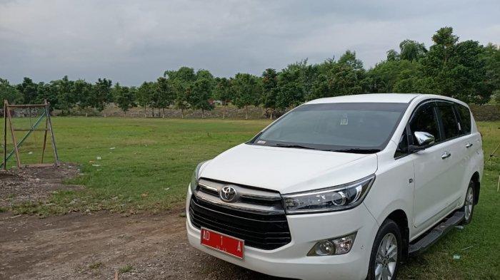 Mobil Dinas Walikota Solo Gibran Ketinggalan di Makam Pasar Kliwon, Sengaja?