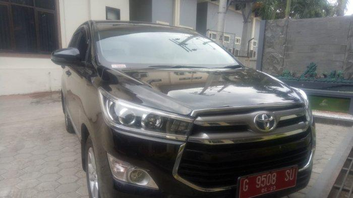 Terima Uang Transport, Anggota DPRD Brebes dari PDIP Ini Masih Gunakan Mobil Pelat Merah