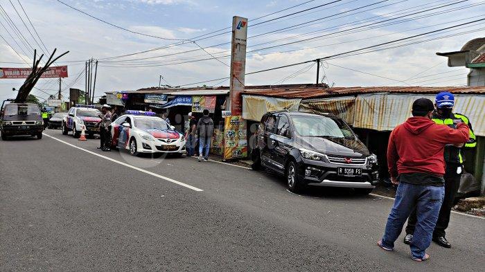 Kronologi Kecelakaan Mobil Tabrak 3 Warung di Banyumas: Suaranya Keras Sekali