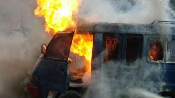 Mobil Angkutan di Temanggung Terbakar Seusai Isi BBM di SPBU Kowangan