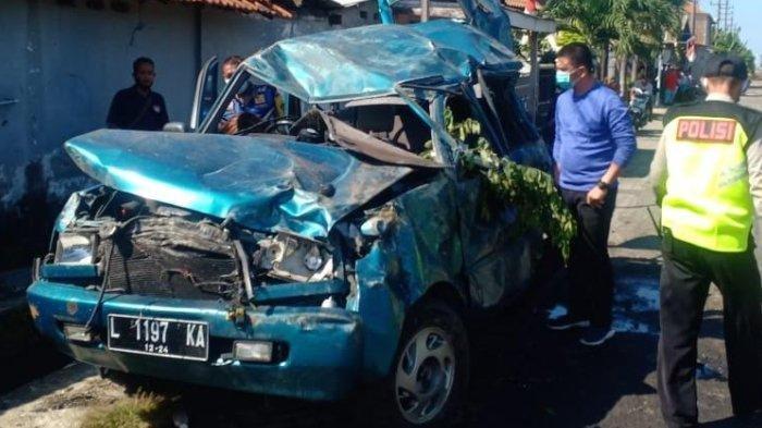 Innalillahi Wa Innailaihi Rojiun, 1 Keluarga Tewas Kecelakaan Ditabrak Kereta Api, Mobil Terpental