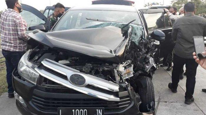 Mobil Ajudan Kapolda Ringsek Kecelakaan di Tol Gara-gara Pecah Ban, Begini Kondisinya