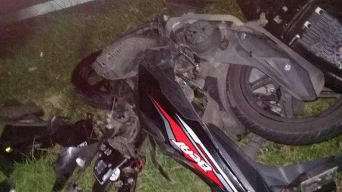 Oleng dan Masuk Jalur Berlawanan, Honda Beat dan Brio Terlibat Kecelakaan di Jalan Raya Baturraden