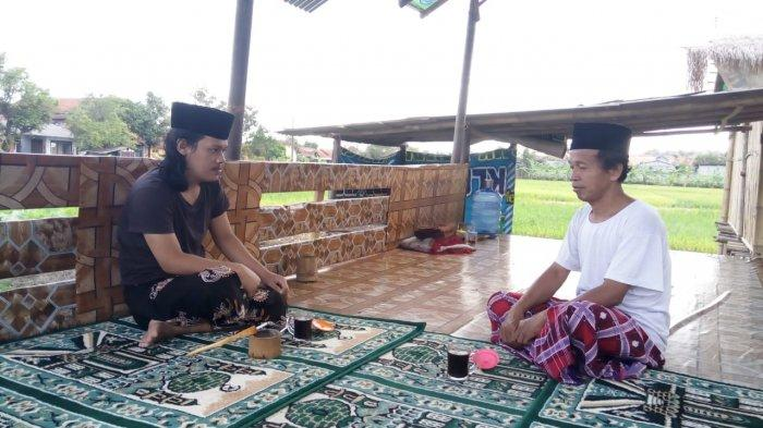 Harta dan Keluarga Ditinggalkan, Mantan Pendeta Ini Jadi Tukang Bersih Kubur dan Muadzin di Kebumen