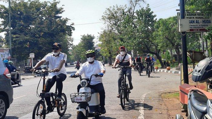 Mualim Kampanyekan Penggunaan Sepeda Listrik yang Ramah Lingkungan di Hari Transportasi Umum