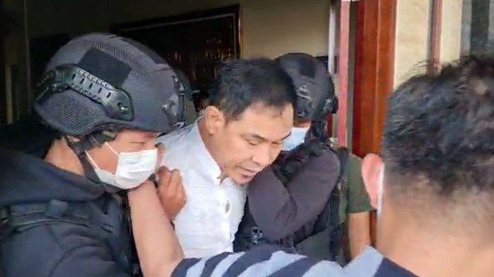 Kuasa Hukum Bantah Kabar Munarman Tersangka Terorisme Dapat Kekerassan di Tahanan