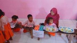 Murid-murid KB As-salam Kendal Diajarkan Berdagang di Sekolah