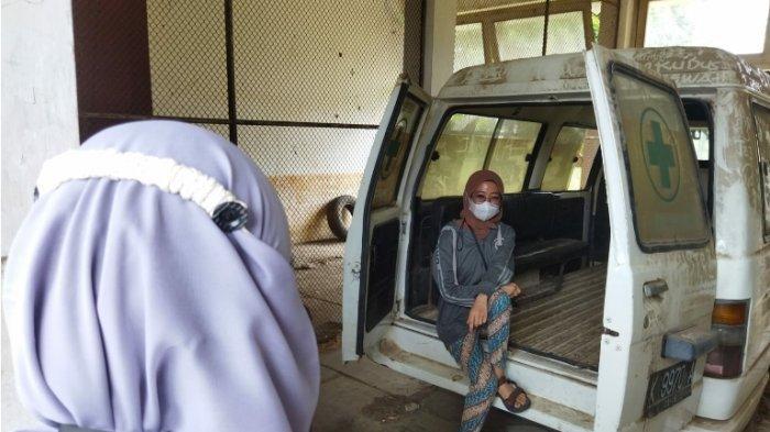 Penampakan Bagian Dalam RSK Tayu Pati yang Telantar, Masih Ada Ranjang Besi Pasien hingga Kursi Roda