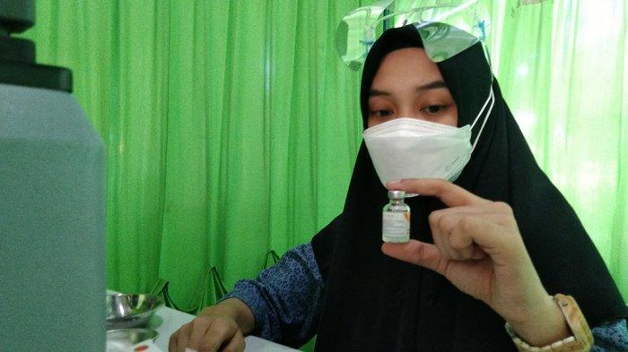 Warga Desak Minta Vaksin Dosis Kedua di RSI Sunan Kudus