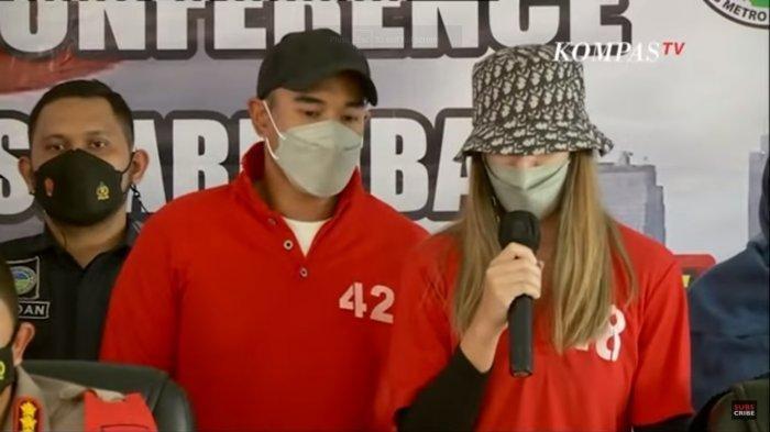 Nia Ramadhani dan Ardie Bakrie saat meminta maaf atas kasus narkoba yang menimpanya.