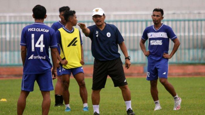 Kelanjutan Kompetisi Tak Jelas, Manajer PSCS Liburkan Pemain dan Pelatih