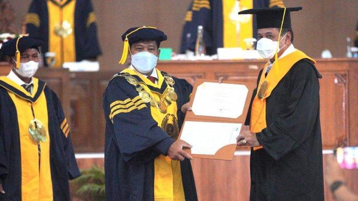 Kritik Pemberian Gelar Doktor HC Nurdin Halid, Prof BR Dikeluarkan Rektor dari Grup Profesor Unnes