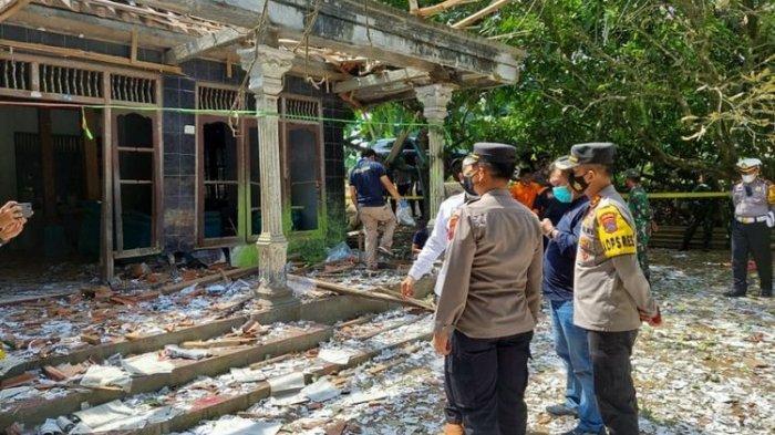 Ledakan Petasan di Kebumen: Korban Tewas Diduga Meracik Petasan Sambil Merokok