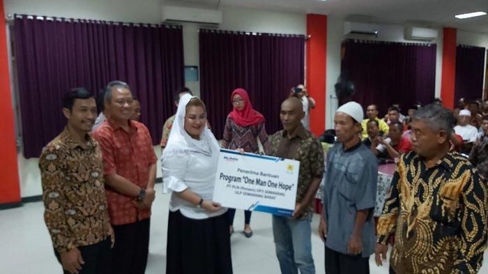 PLN UP3 Semarang Beri Bantuan One Man One Hope bagi Warga Kecamatan Tugu