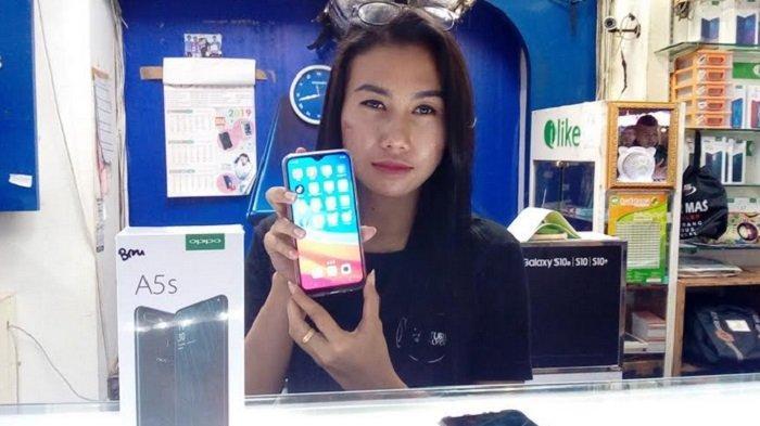 Cari Hp Oppo Ini Daftar Harga Terbaru September 2019 Dan Spesifikasinya Tribun Jateng