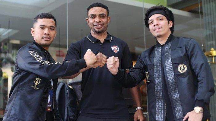 AHHA PS Pati Boyong Osas Saha, Mantan Striker PSM Makassar