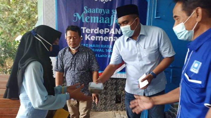 DPD PAN Kabupaten Pekalongan Bagikan Daging Kurban untuk Warga Terdampak PPKM Darurat