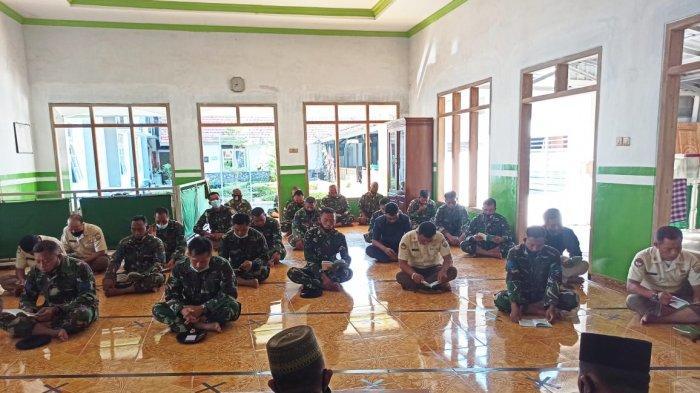 Pangkalan TNI AL Tegal Gelar Doa Bersama untuk Prajurit Kapal Selam KRI Nanggala 402